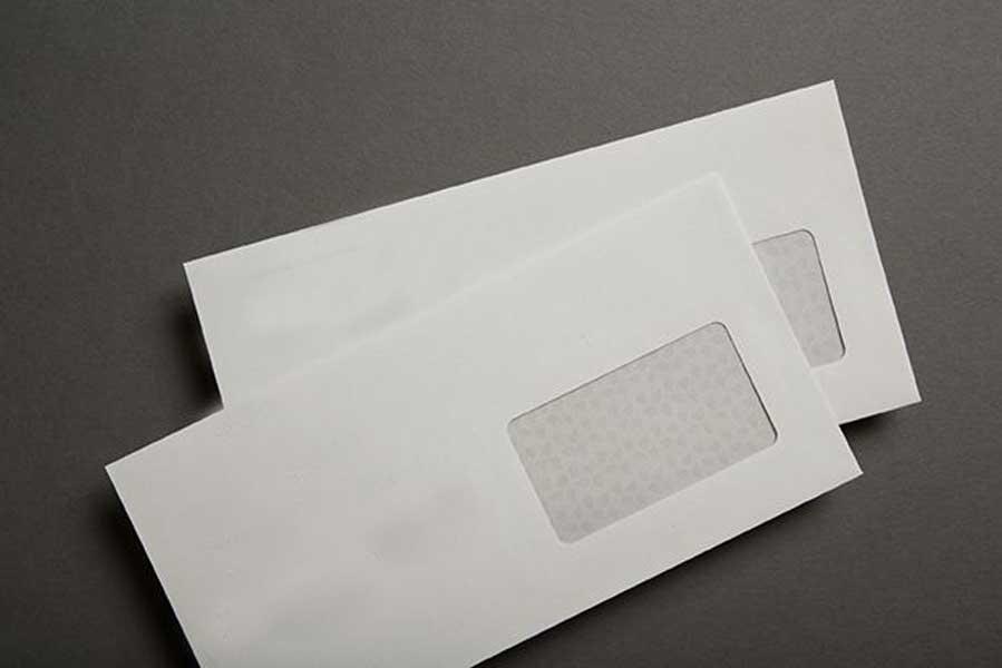Imprimir envelopes reciclados personalizados.
